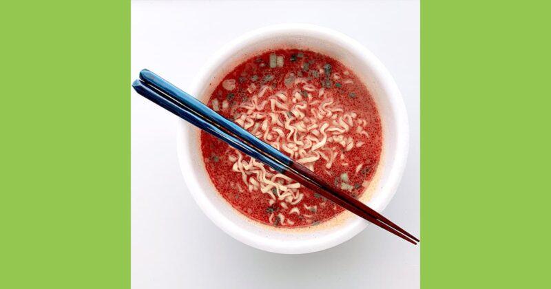 辛辛魚と箸の画像